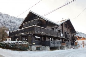 Exterior shot of Chalet Basse Chapelle