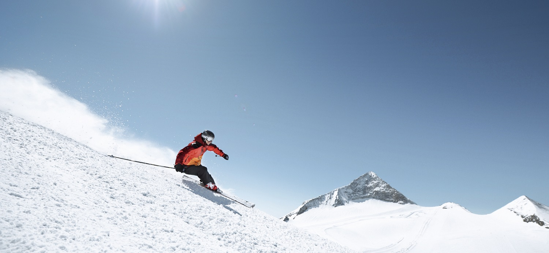 Hintertuxer Gletscher Skier Carving